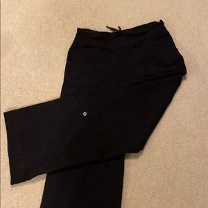 Lululemon women's wide leg pants size 4 Black